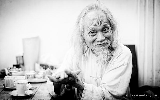 PGS Bùi Thanh Quất tại nhà riêng. Hà Nội, sáng 17/4/2012.