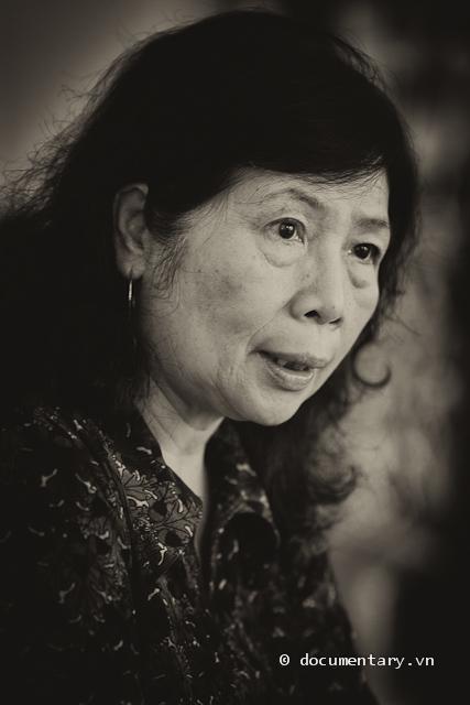 GS Lê Thị Quý trả lời phỏng vấn của phóng viên USSH nhân Ngày Gia đình Việt Nam. Hà Đông, sáng nay.