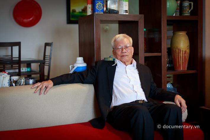 NGƯT Nguyễn Xuân Lương - nguyên giảng viên Khoa Ngôn ngữ học. Hà Nội, tháng 8/2014.