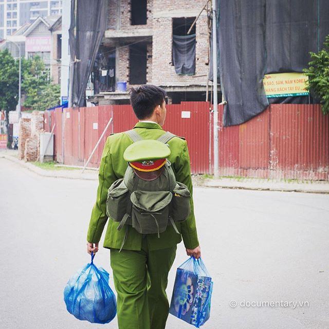 [Instagram] Ăn Tết muộn #police #gohome #return #hanoi #2016