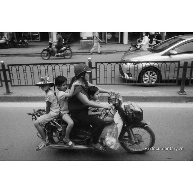 [Instagram] #motorbike #overload #traffic #children #hanoi #vietnam