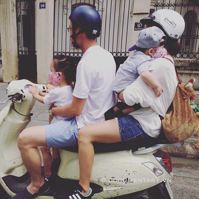 [Instagram] #weekend #traffic #motorbike #family #hanoi