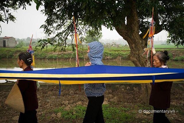 [Instagram] #women #ninjastyle #funeral #hanam #vietnam